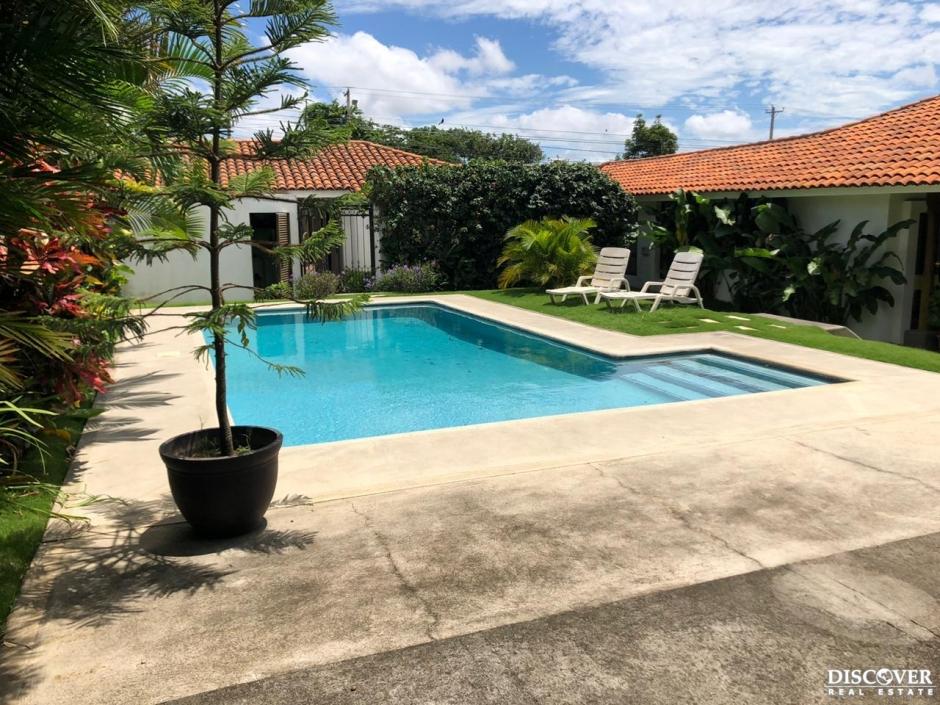 Casa en alquiler - Venta  en Santo Domingo