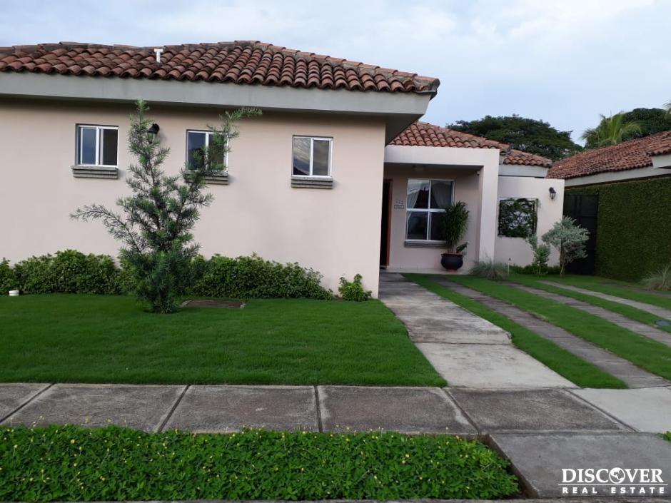 Acogedora casa en venta en Planes de Veracruz