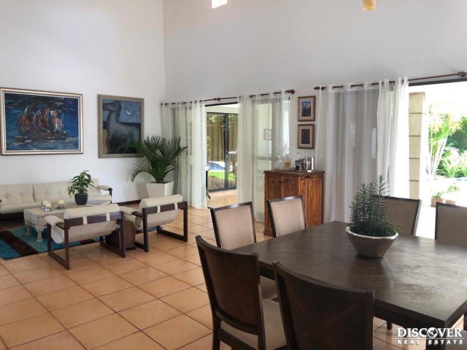 Casa en alquiler - Venta  en Residencial Puerta del Sol.