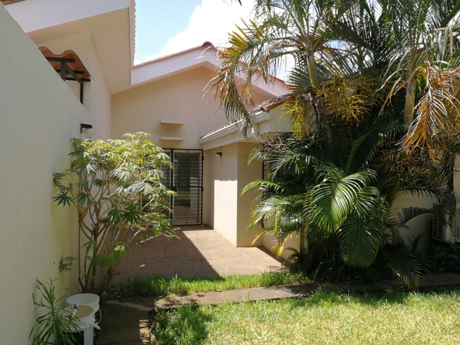 Linda casa en renta en el Mirador de Santo Domingo ID 11918