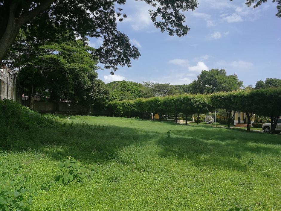 Se vende exclusivo terreno en condominio cerrado en Villa Fontana.