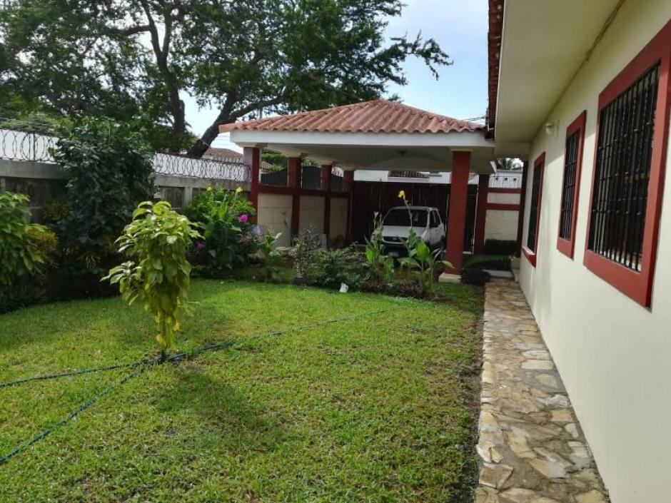 Amplia casa en venta - Alquiler ubicada en Las Colinas