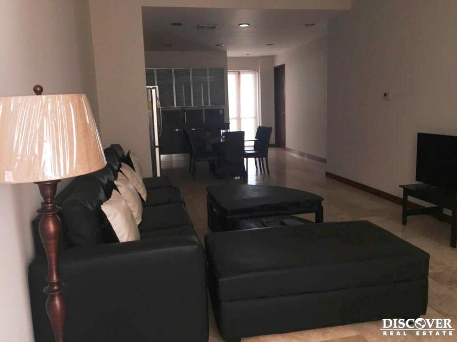 Apartamento en alquiler ubicado en condominio Viejo Santo Domingo.