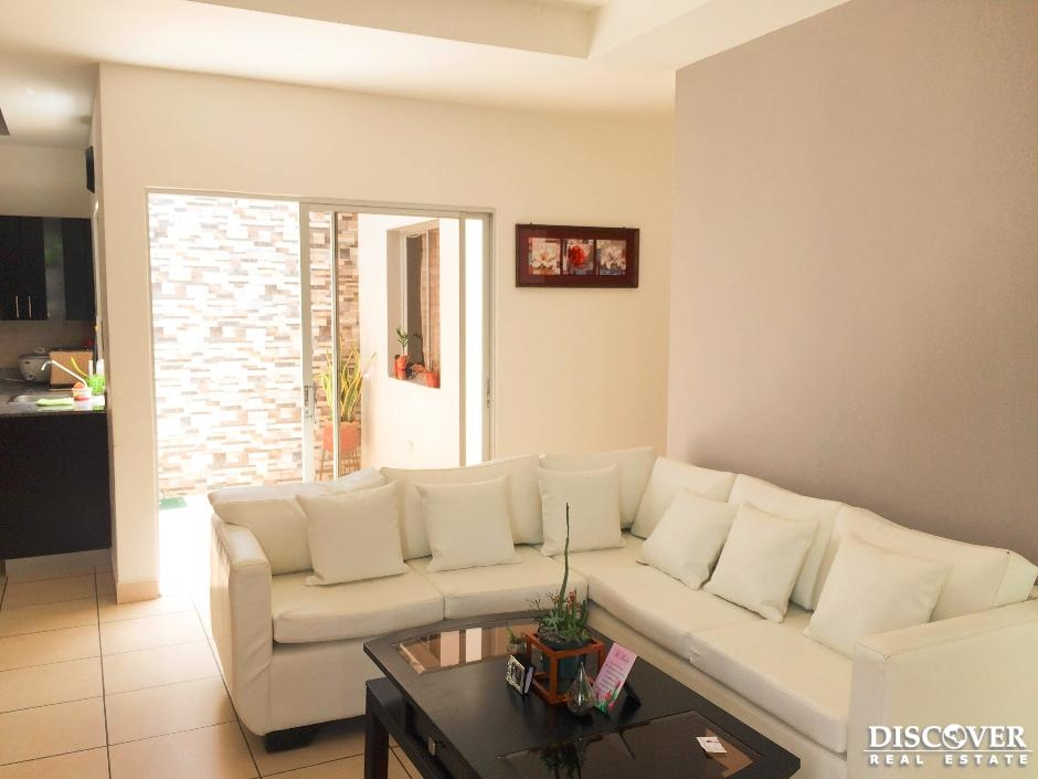 Bonita casa en venta ubicada en residencial Alamedas.