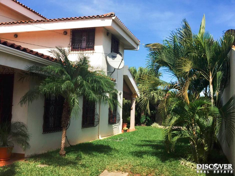 Casa en alquiler ubicado en Residencial San Angel.