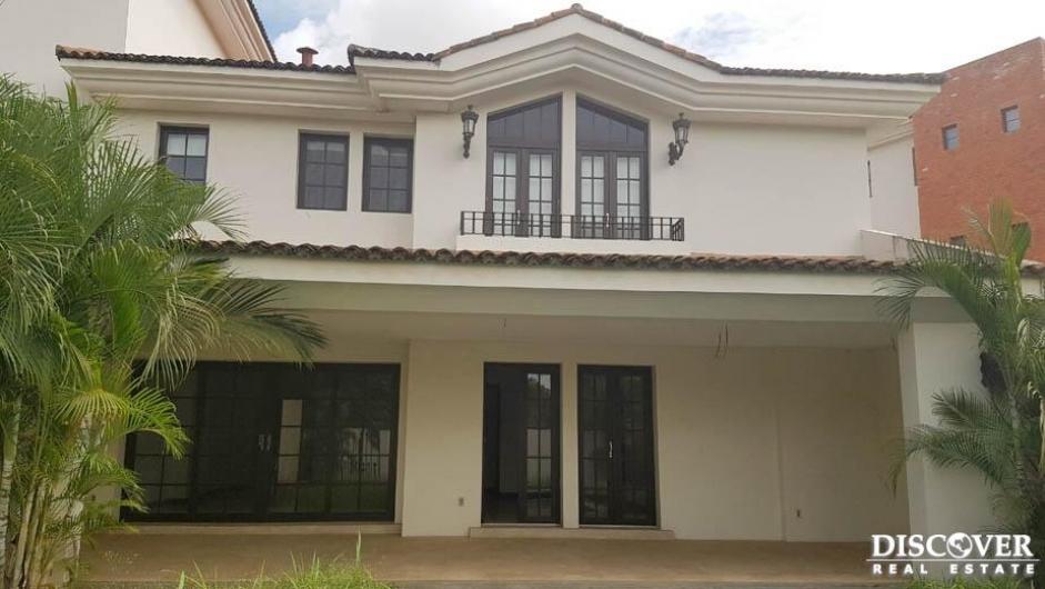 Apartamento en renta ubicada en Santo Domingo.