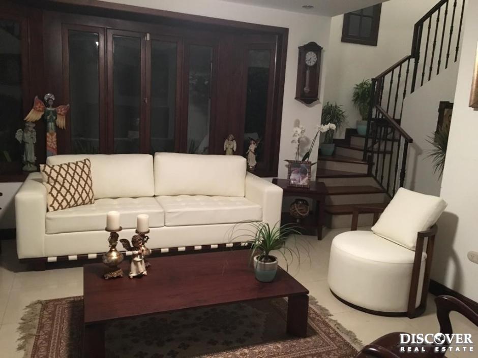 Casa en venta en condominio Estefania