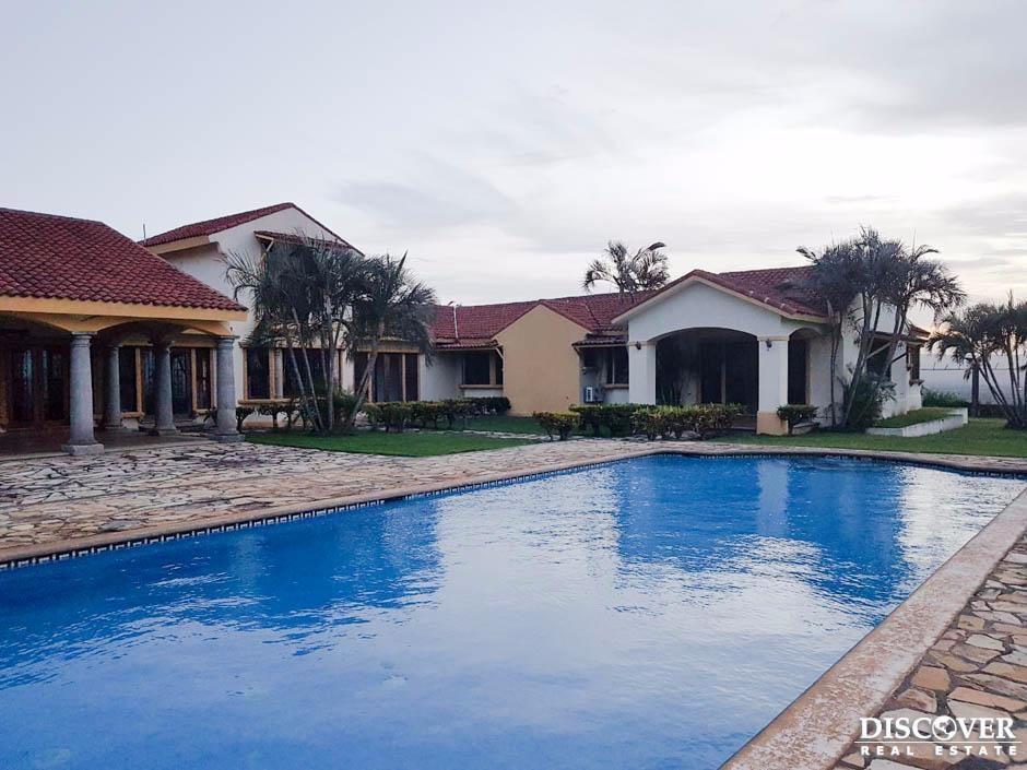 Hermosa casa en venta y renta en Altos de Ticomo