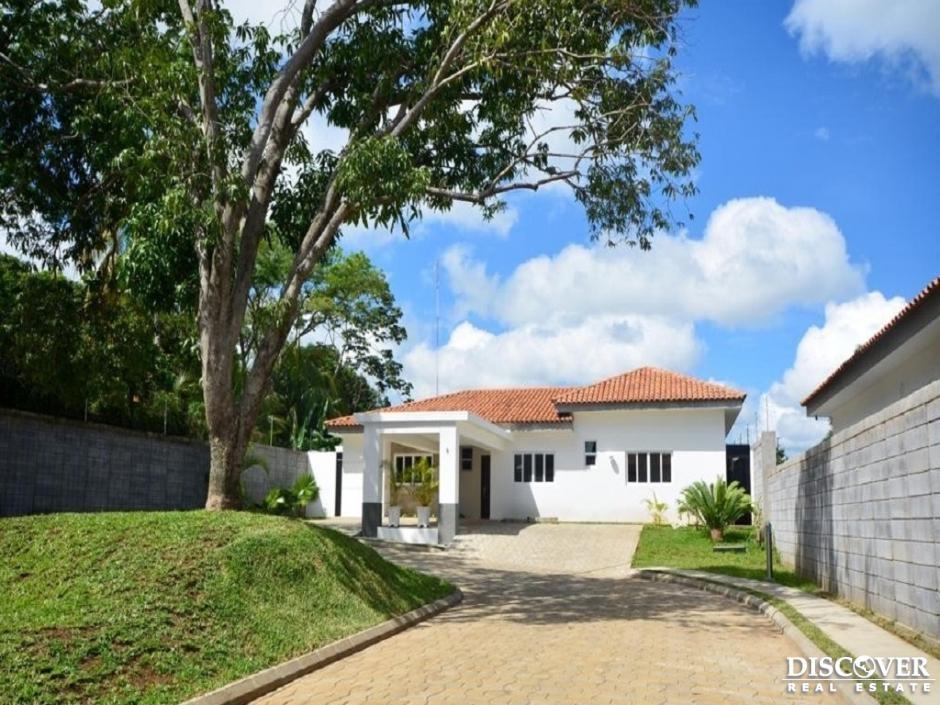 Casa en Alquiler- venta en Condominio el mango
