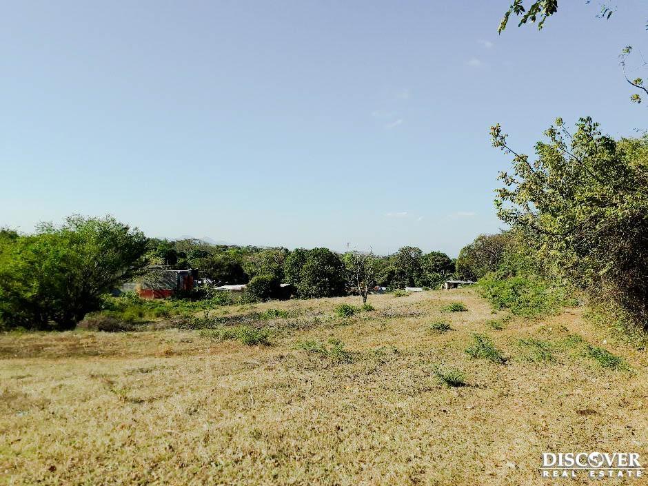 Se vende terreno estratégico en San Isidro de la Cruz Verde